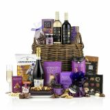 TOUCH OF CLASS CHRISTMAS BASKET